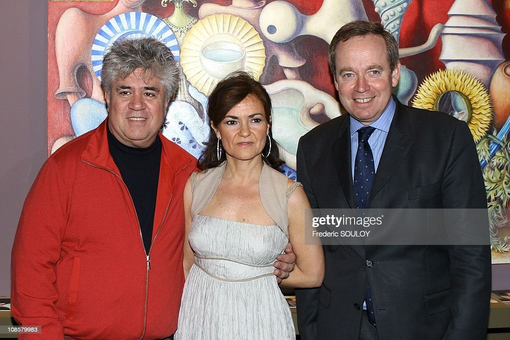<a gi-track='captionPersonalityLinkClicked' href=/galleries/search?phrase=Pedro+Almodovar&family=editorial&specificpeople=202502 ng-click='$event.stopPropagation()'>Pedro Almodovar</a> Spanish Culture Minister <a gi-track='captionPersonalityLinkClicked' href=/galleries/search?phrase=Carmen+Calvo&family=editorial&specificpeople=640845 ng-click='$event.stopPropagation()'>Carmen Calvo</a> and French Culture Minister <a gi-track='captionPersonalityLinkClicked' href=/galleries/search?phrase=Renaud+Donnedieu+de+Vabres&family=editorial&specificpeople=548230 ng-click='$event.stopPropagation()'>Renaud Donnedieu de Vabres</a> in Paris, France April 05, 2006.