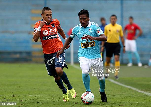 Pedro Aquino of Sporting Cristal drives the ball during a match between Sporting Cristal and Cesar Vallejo as part of Liguilla 2016 at Alberto...