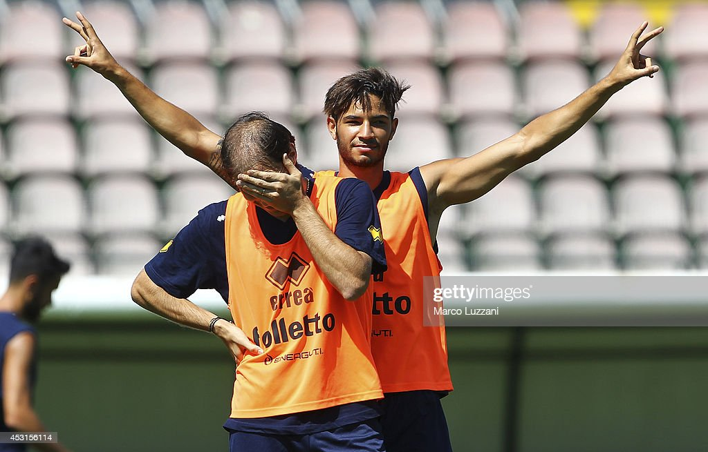 <a gi-track='captionPersonalityLinkClicked' href=/galleries/search?phrase=Pedro+Mendes&family=editorial&specificpeople=212915 ng-click='$event.stopPropagation()'>Pedro Mendes</a> of FC Parma gestures during an FC Parma Training Session on August 4, 2014 in Avellino, Italy.