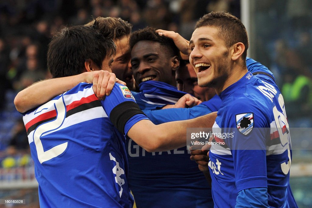 Pedro Obiang (C) of UC Sampdoria celebrates his goal with teammates during the Serie A match between UC Sampdoria and Pescara at Stadio Luigi Ferraris on January 27, 2013 in Genoa, Italy.