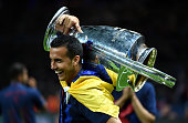 Pedro of Barcelona celebrates with the trophy after the UEFA Champions League Final between Juventus and FC Barcelona at Olympiastadion on June 6...