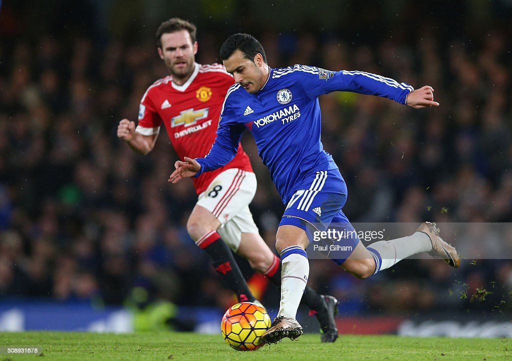 Pedro of Chelsea and <a gi-track='captionPersonalityLinkClicked' href=/galleries/search?phrase=Juan+Mata&family=editorial&specificpeople=4784696 ng-click='$event.stopPropagation()'>Juan Mata</a> of Manchester United in action during the Barclays Premier League match between Chelsea and Manchester United at Stamford Bridge on February 7, 2016 in London, England.