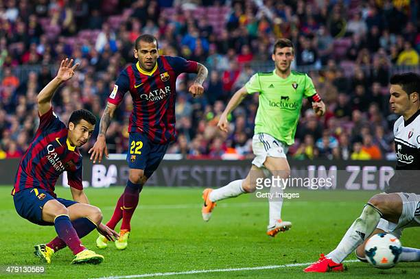 Pedro Rodriguez of FC Barcelona scores his team's seventh goal during the La Liga match between FC Barcelona and CA Osasuna at Camp Nou on March 16...