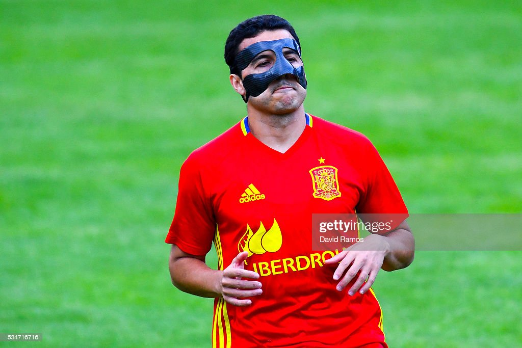 Pedro Rodriguez of Spain wears a mask during a training session on May 27, 2016 in Schruns, Austria.