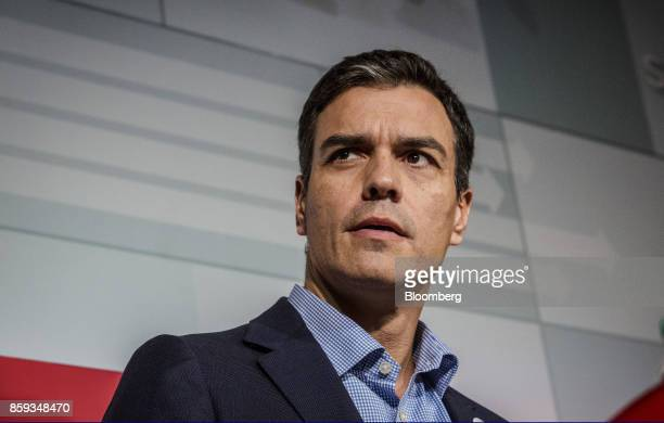 Pedro Sanchez leader of the Spanish Socialist Party speaks during a news conference in Barcelona Spain on Monday Oct 9 2017 Sanchez head of the main...