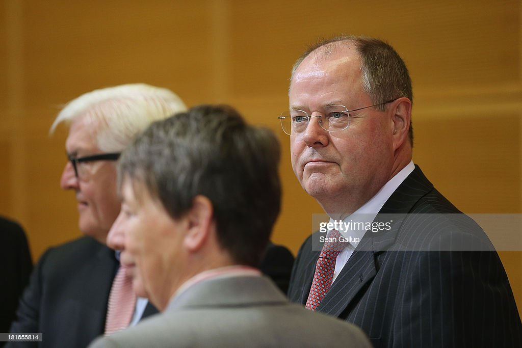 Peer Steinbrueck chancellor candidate of the German Social Democrats arrives for a meeting of the SPD governing board on the first day after German...