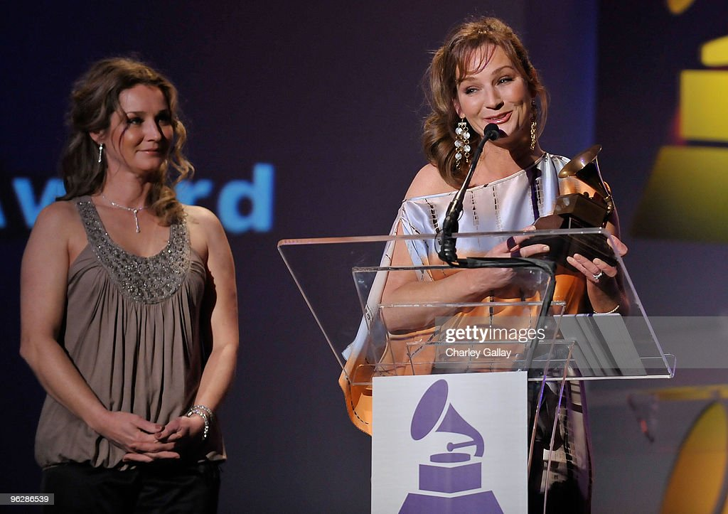 Peggy (L) and Patsy Lynn receive the Lifetime Achievement Award on behalf of their mother Loretta Lynn at the 52nd Annual GRAMMY Awards Special Merit Awards and Nominee Reception at The Wilshire Ebell Theatre on January 30, 2010 in Los Angeles, California.