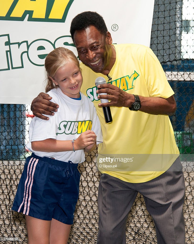 Pele attends the announcement of subways latest addition to their famous fan roster at chelsea piers