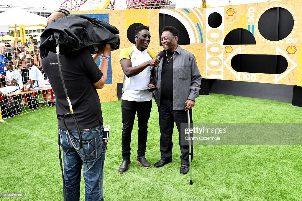 Pele (R) attends the Energy Challenge photocall at Queen Elizabeth Olympic Park on June 30, 2016 in London, England. Pele has teamed up with Shell to launch the world's first human powered football pitch.