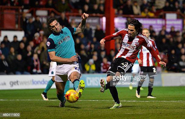 Peleteiro Ramallo of Brentford FC scores Brentfords 3rd goal during the Sky Bet Championship match between Brentford and Blackburn Rovers at Griffin...