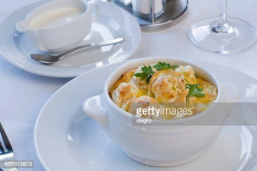 Pelmeni Dumplings, de carne, Dumplings en un encapsulado : Foto de stock