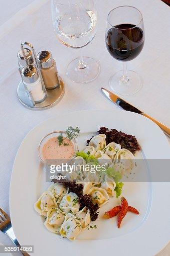 Carne dumplings Pelmeni, : Foto de stock