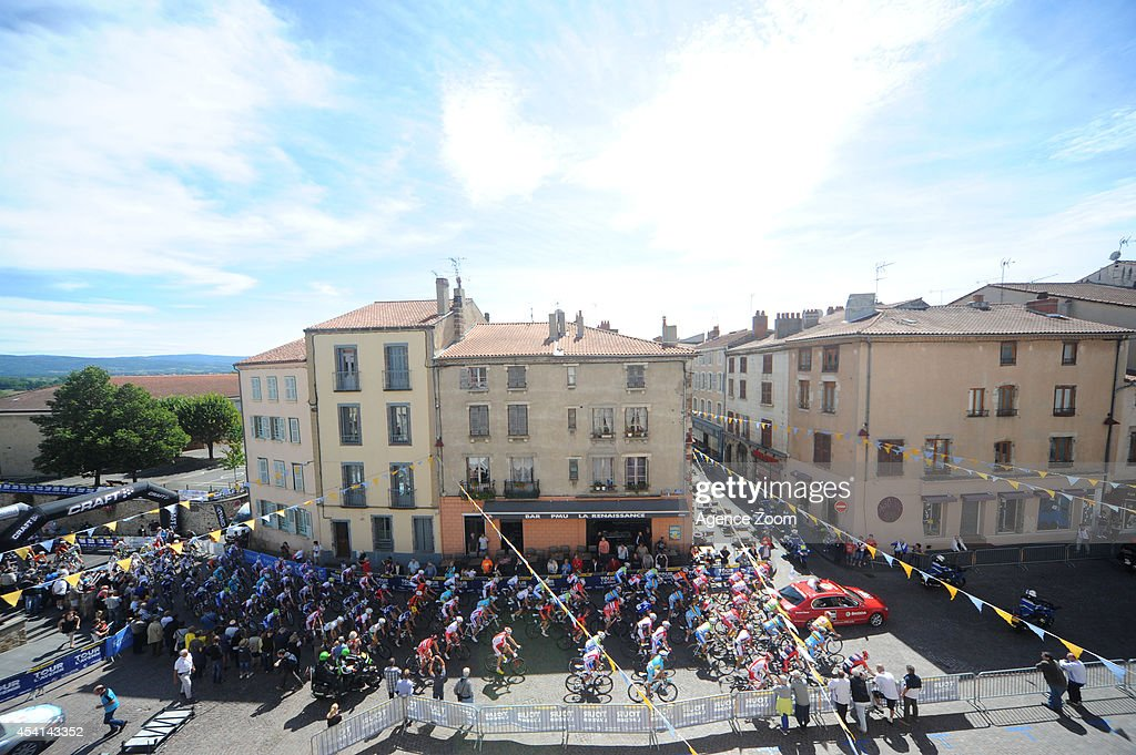 Peloton in Brioude during Stage Two of the Tour de l'Avenir on August 25, 2014 in Brioude, France.