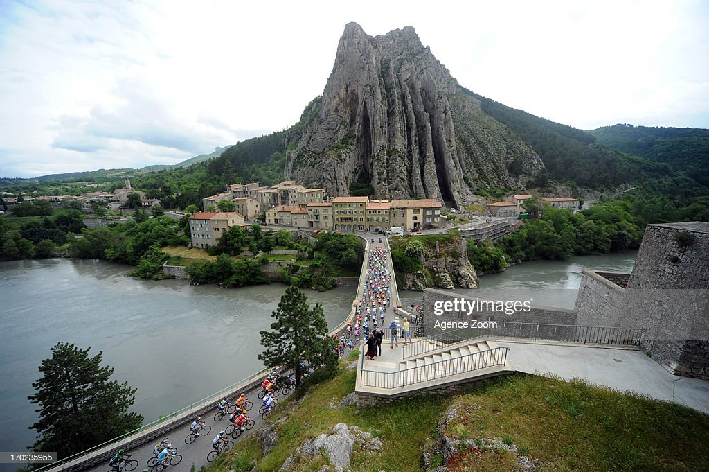 Peloton in Sisteron during Stage Eight of the Criterium du Dauphine, Sisteron to Risoul, France on Sunday 09 June 2013.