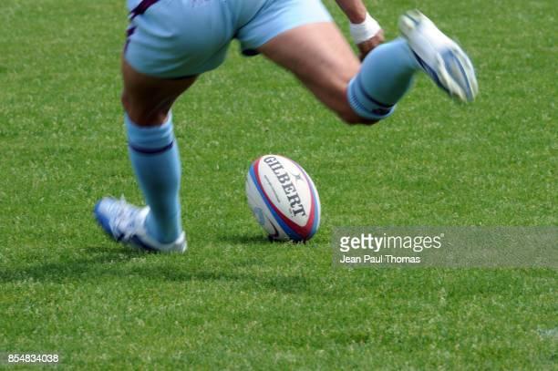 ILLUSTRATION penalite / pied / ballon Bourgoin / Castres 25eme journee de Top14 Stade Pierre Rajon Bourgoin