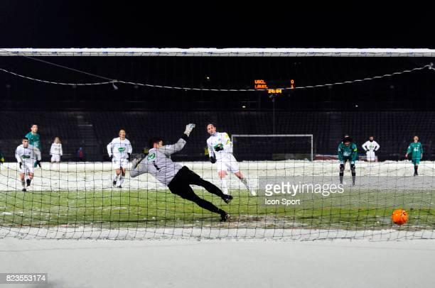 Penalty Jean Michel LESAGE / Mathieu PICHOT Creteil / Laval 8eme tour de la Coupe de France