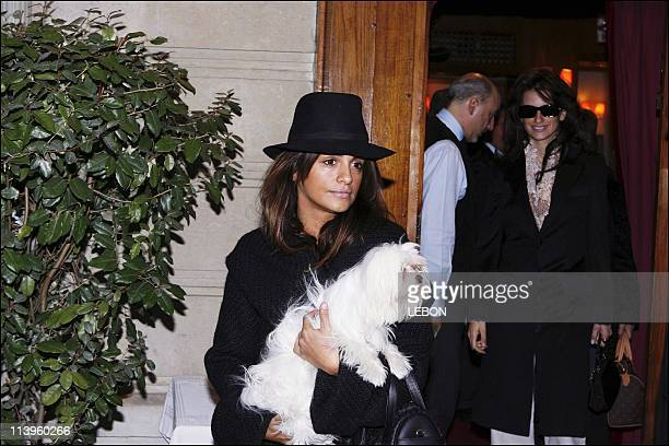 Penelope Cruz and Monica Cruz with their Mother Shopping in Paris and has Lunch at the Stresa restaurant In Paris France On January 12 2006