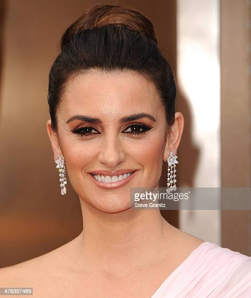 Penelope Cruz arrives at the 86th Annual Academy Awards at Hollywood Highland Center on March 2 2014 in Hollywood California