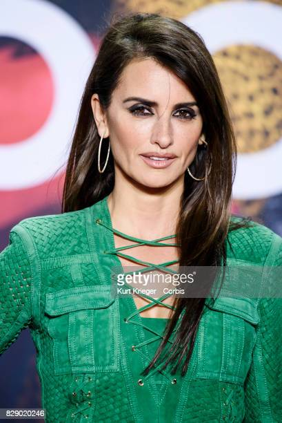 Image has been digitally retouched Penelope Cruz arrives at the 'Zoolander No 2' premiere in Berlin Germany on February 2 2016