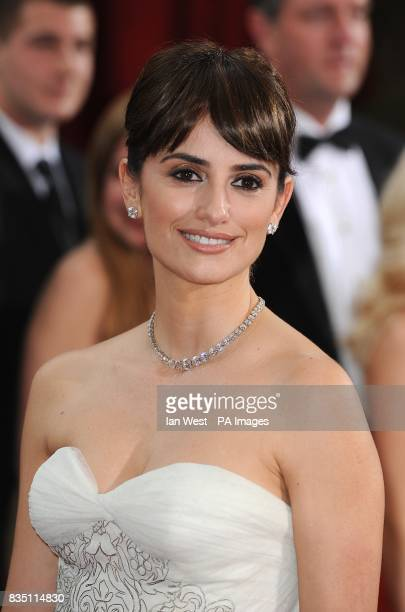 Penelope Cruz arriving for the 81st Academy Awards at the Kodak Theatre Los Angeles