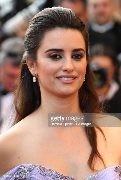 Penelope Cruz arriving for the official screening of Broken Embraces at the Palais de Festival during the 62nd Cannes Film Festival France