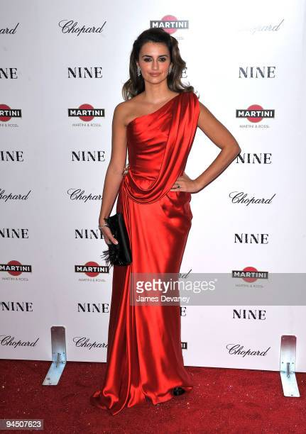 Penelope Cruz attends the New York premiere of 'Nine' at the Ziegfeld Theatre on December 15 2009 in New York City