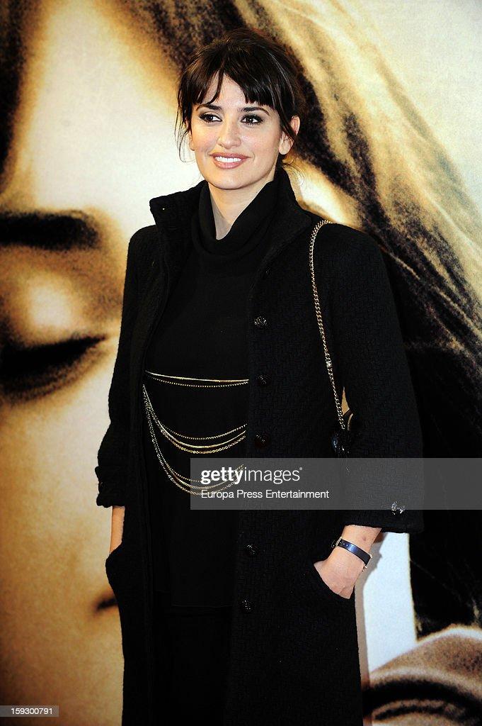 Penelope Cruz attends 'Venuto Al Mondo' premierte at Capitol Cinema on January 10, 2013 in Madrid, Spain.