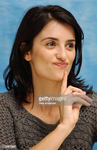 Penelope Cruz during 'Gothika' Press Conference with Halle Berry Penelope Cruz and Mathieu Kassovitz at Four Seasons Hotel in Beverly Hills...