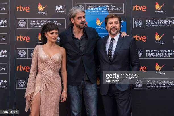 Penelope Cruz Fernando Leon de Aranoa and Javier Bardem attend 'Loving Pablo' photocall during 65th San Sebastian Film Festival on September 30 2017...