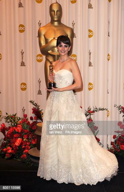 Penelope Cruz with the Best Supporting Actress award received for her role in Vicky Cristina Barcelona at the 81st Academy Awards at the Kodak...