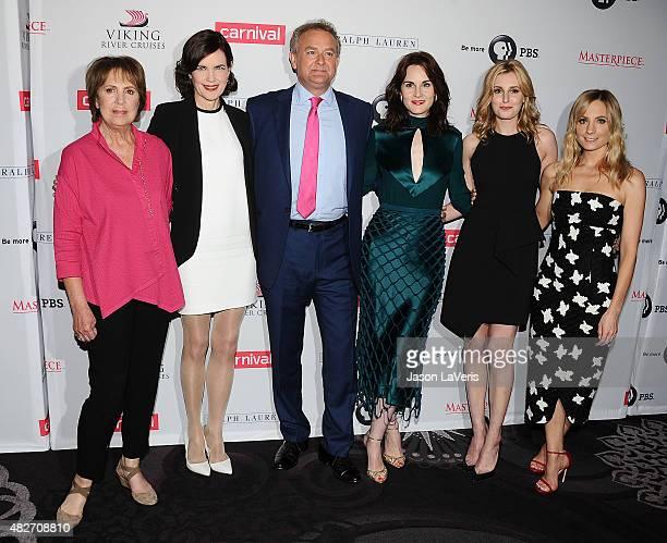Penelope Wilton Elizabeth McGovern Hugh Bonneville Michelle Dockery Laura Carmichael and Joanne Froggatt attend the 'Downton Abbey' cast photo call...
