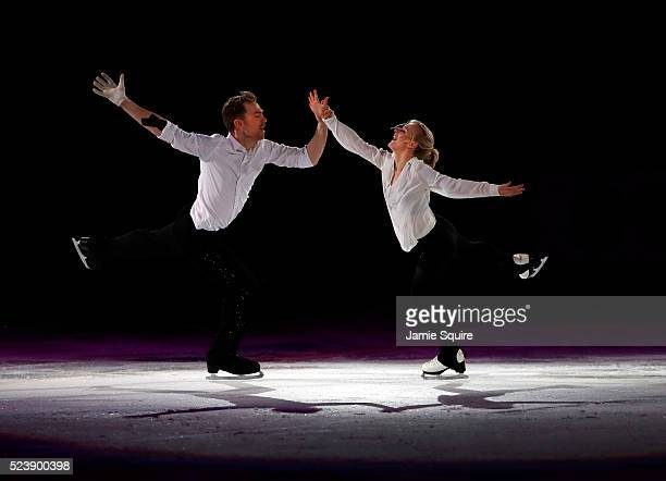 Penny Coomes and Nicholas Buckland of Team Europe perform during an exhibition on day 3 of the 2016 KOSE Team Challenge Cup at Spokane Arena on April...