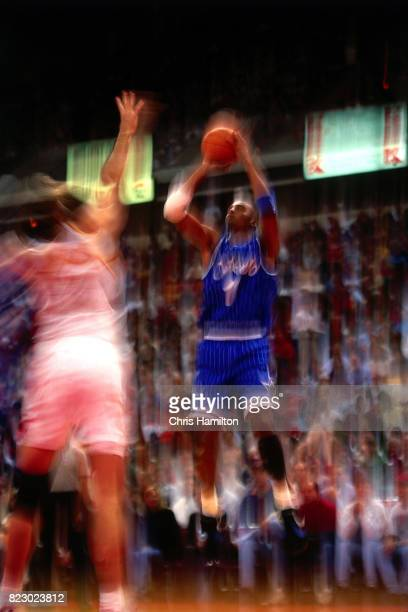 Penny Hardaway of the Orlando Magic shoots the ball against the Atlanta Hawks at the Omni Coliseum in Atlanta Georgia circa 1992 NOTE TO USER User...