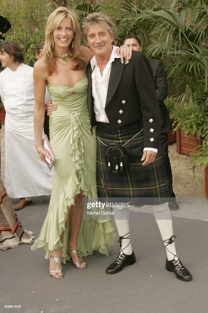 Penny Lancaster and Rod Stewart arrives at 'Cinema Against AIDS 2004', the 11th annual event in aid of amfAR (American Foundation for AIDS Research) at Le Moulin de Mougins at the 57th Cannes Film Festival on May 20, 2004 in Cannes, France.