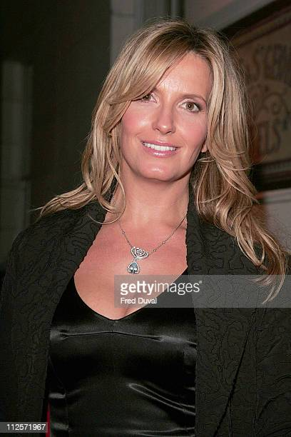 Penny Lancaster wearing a 40000 necklace outside Browns Hotel on November 10 2007 in London England The necklace which is designed by Garrard and...
