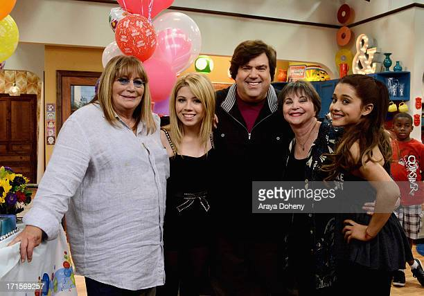Penny Marshall and Cindy Williams make a guest appearance with creator/executive producer Dan Schneider on Nickelodeon's Sam Cat starring Jennette...