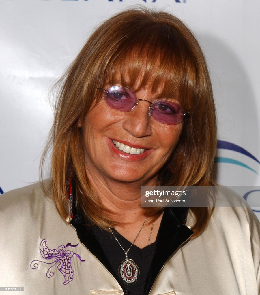 penny marshall Garry kent marshall (november 13, 1934 – july 19, 2016) was an american film director, film producer, screenwriter and actor, best known for creating happy days and its various spin-offs, developing neil simon's 1965 play the odd couple for television, and directing pretty woman, beaches, runaway bride, valentine's day, new year's eve, mother.