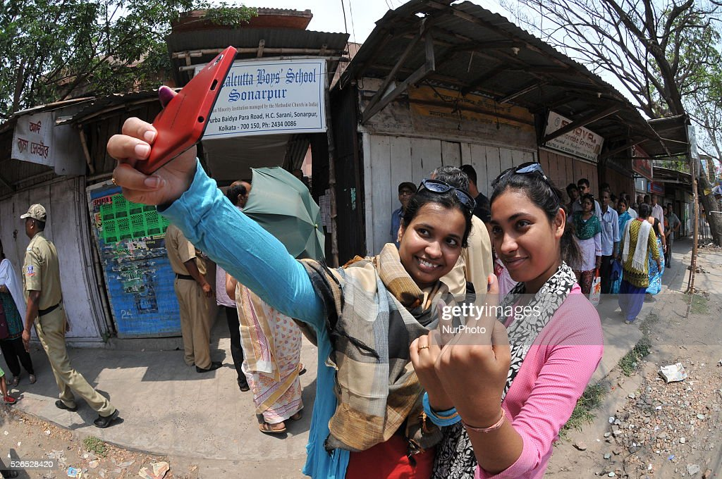 Peope vote during the 5th Phase of West Bengal Assembly elections at South 24 Pargana, in West Bengal, India, on April 30, 2016.