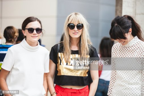 人々とモデルズ斑点ニューヨークファッションウィーク 2014 年の