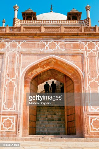 People ascend stairs of Humayuns Tomb : Stock Photo