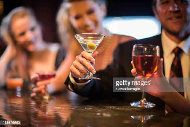 Personas en el Bar