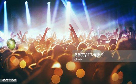 Pessoas no concerto festa.