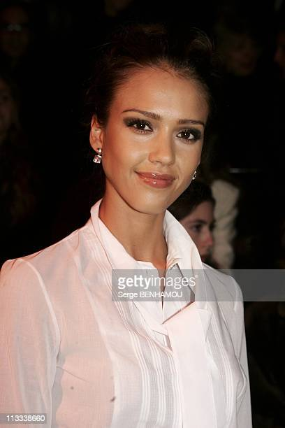 People At Dior Ready To Wear FallWinter 20062007 Fashion Show On February 28Th 2006 In Paris France Here Jessica Alba