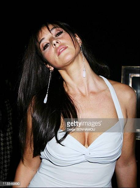 People At Dior Ready To Wear SpringSummer 2007 Fashion Show On October 3Rd 2006 In Paris France Here Monica Bellucci