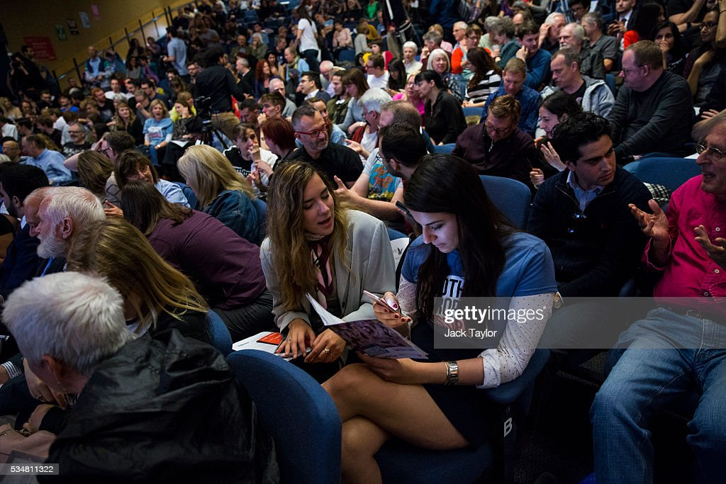 People attend a Diem25 event at The UCL, Institute of Education on May 28, 2016 in London, England. Left-wing politicians and thinkers were today campaigning at the DiEM25 event to stay in the European Union ahead of the EU referendum on the 23rd of June.