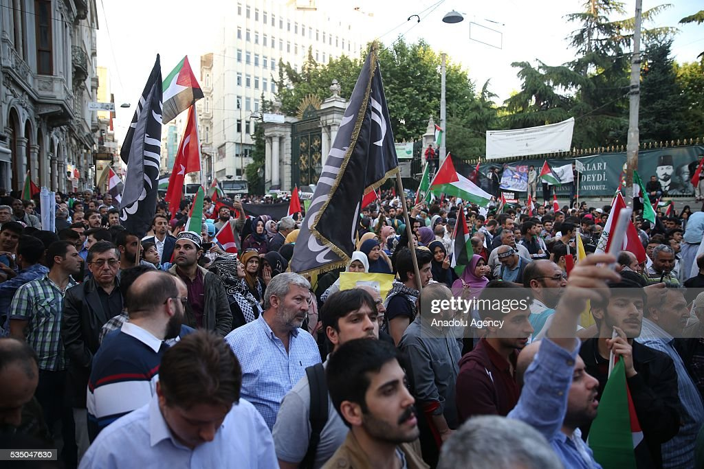 People attend 'Free Jerusalem March' organized by IHH Humanitarian Relief Foundation on May 28, 2016 in Istanbul on the 6th anniversary of the 31 May 2010 attack on the Mavi Marmara ship carrying international aid to Gaza in international waters.