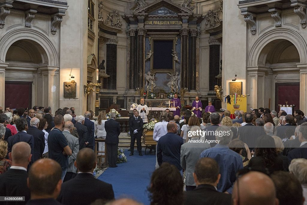 People attend the funeral ceremony of Italian actor Carlo Pedersoli also known as Bud Spencer at the Santa Maria in Montesanto at Piazza del Popolo in Rome, Italy, 30 June 2016.