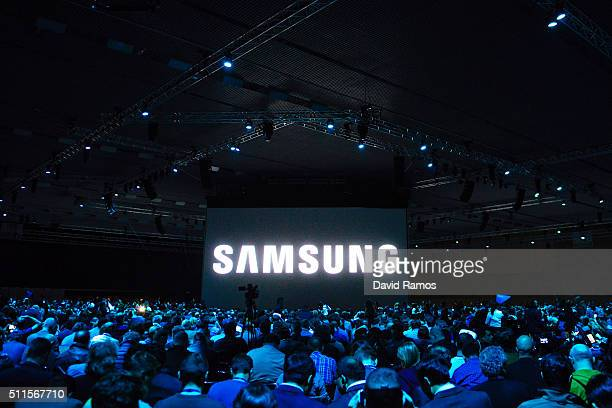 People attend to the presentation of the new Samsung Galaxy S7 and Samsung Galaxy S7 edge on February 21 2016 in Barcelona Spain The annual Mobile...