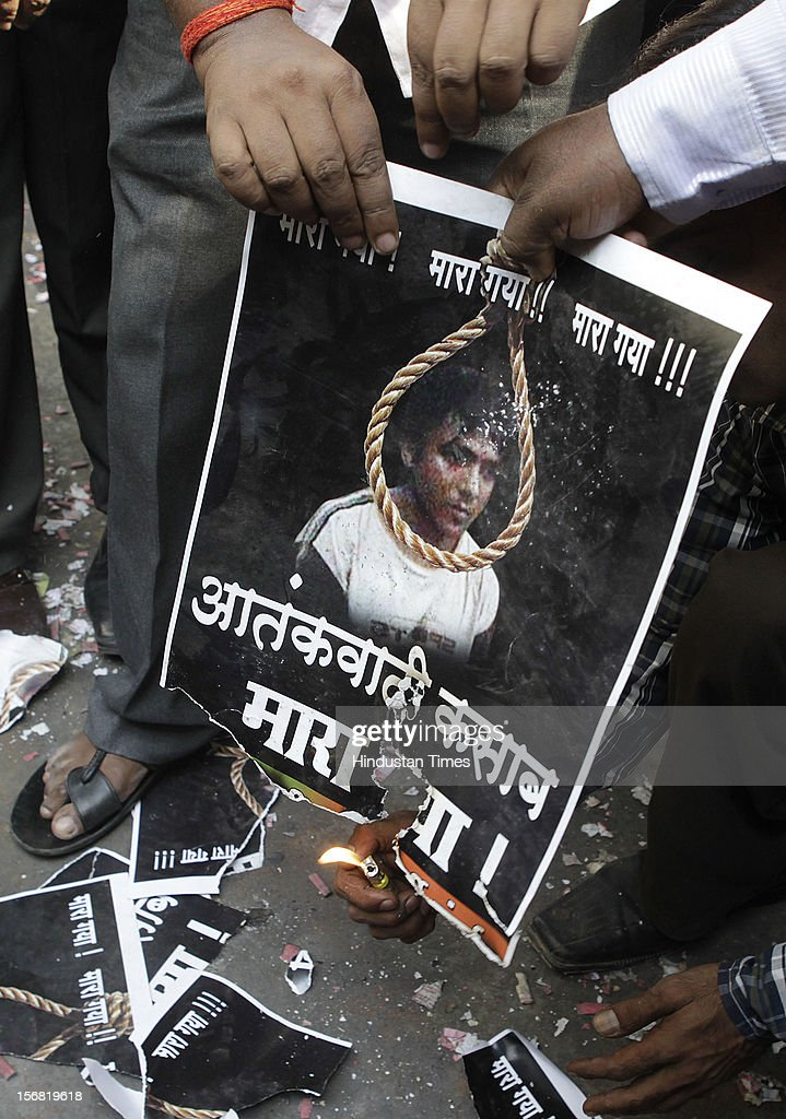 People burn the image of 26/11 terrorist Ajmal Kasav outside BJP Mumbai Headquarters, Nariman Point on November 21, 2012 in Mumbai, India. Terrorist Ajmal Kasab sentenced to death for his role in November 26, 2008 terror attack on Mumbai was hanged to death at Yerwada Jail on November 21, 2012 in Pune, India.