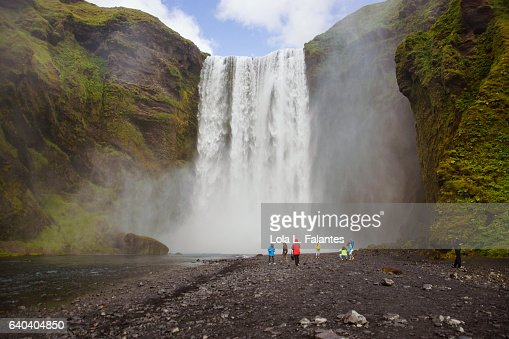 People close to the waterfall : Foto de stock